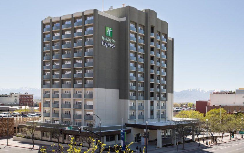 Holiday Inn & Suites Oakhurst